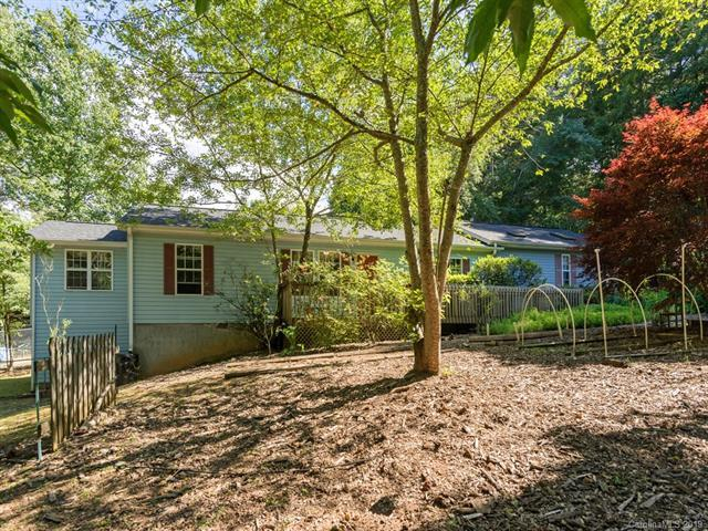 1 Naomi Drive, Hendersonville, NC 28792 (#3520593) :: LePage Johnson Realty Group, LLC