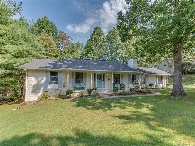 209 Trappers Trail, Hendersonville, NC 28739 (#3520656) :: Puma & Associates Realty Inc.