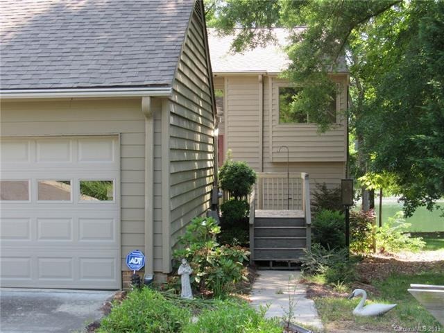 8904 St Croix Lane, Charlotte, NC 28277 (#3520660) :: Keller Williams South Park