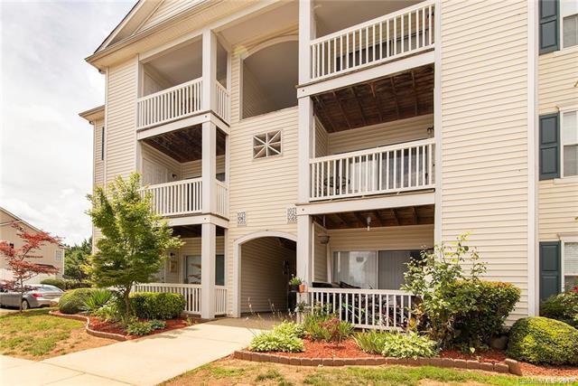 1071 Triece Lane, Charlotte, NC 28215 (#3520688) :: LePage Johnson Realty Group, LLC