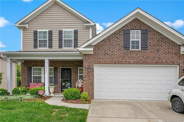 6725 Barefoot Forest Drive, Charlotte, NC 28269 (#3520717) :: Odell Realty