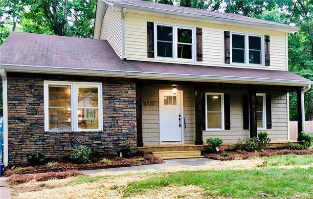 5733 Hollirose Drive, Charlotte, NC 28227 (#3520796) :: LePage Johnson Realty Group, LLC