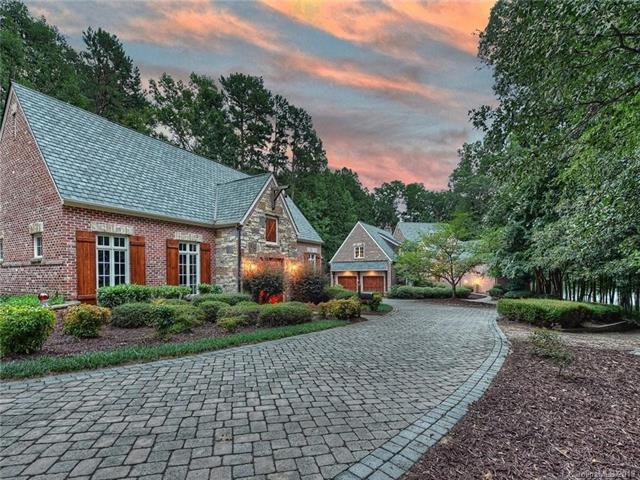 5730 Ballypat Lane, Huntersville, NC 28078 (#3520852) :: Mossy Oak Properties Land and Luxury