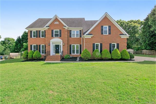 16300 Ranger Trail, Huntersville, NC 28078 (#3520913) :: Scarlett Real Estate