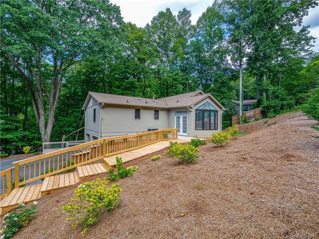 34 Hunters Lane, Hendersonville, NC 28791 (#3521045) :: Rinehart Realty