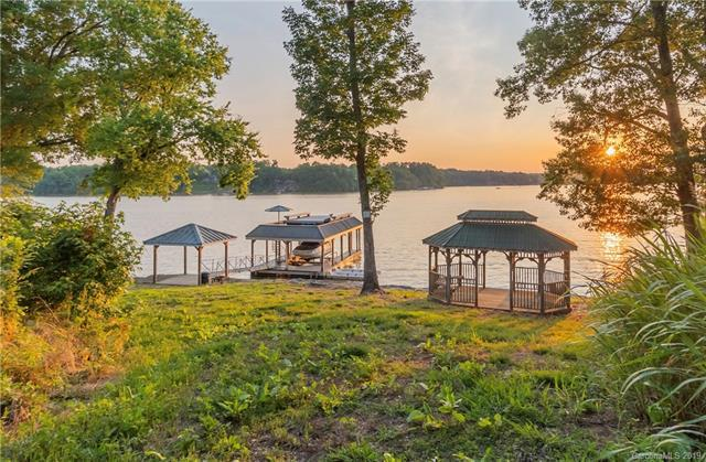1350 E Monbo Road, Statesville, NC 28677 (#3521047) :: LePage Johnson Realty Group, LLC