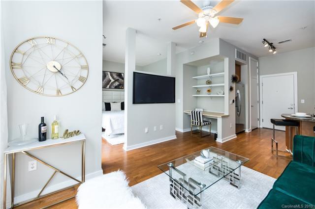 525 E 6th Street #205, Charlotte, NC 28202 (#3521057) :: Scarlett Real Estate