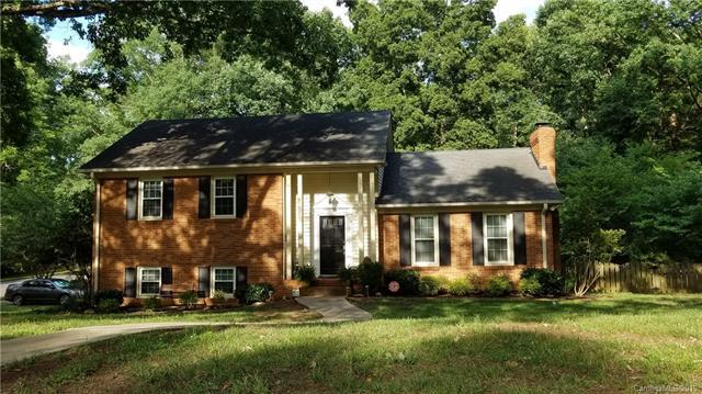 910 Longbow Road, Charlotte, NC 28211 (#3521242) :: Besecker Homes Team