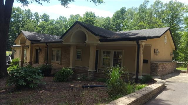 809 3rd Avenue NW, Hickory, NC 28601 (#3521412) :: Mossy Oak Properties Land and Luxury