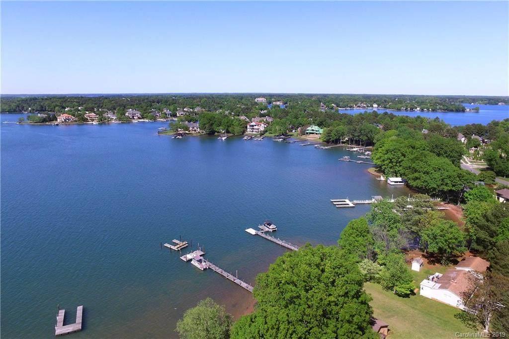 17135 Belle Isle Drive, Cornelius, NC 28031 (#3521437) :: LePage Johnson Realty Group, LLC