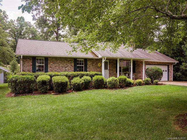 113 W Laurel Lane, Etowah, NC 28729 (#3521718) :: Keller Williams Professionals