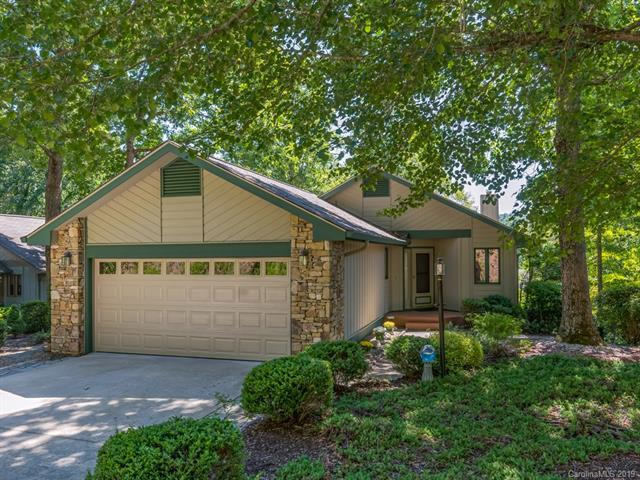 3000 Golfside Lane, Hendersonville, NC 28739 (#3521762) :: Keller Williams Professionals