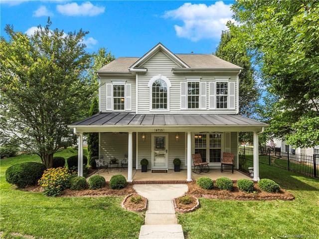 6715 Tanners Creek Drive, Huntersville, NC 28078 (#3521870) :: Cloninger Properties
