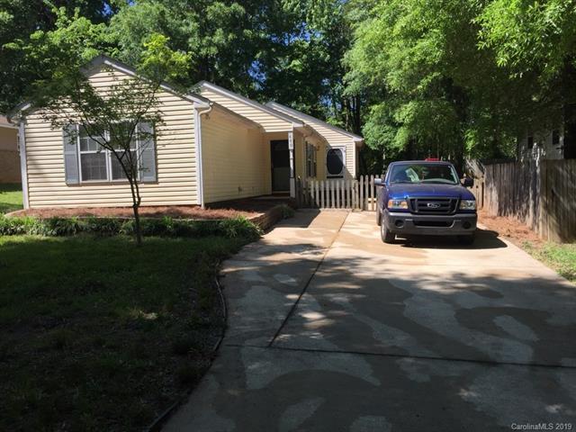 440 S Freemont Street, Matthews, NC 28105 (#3522084) :: Zanthia Hastings Team