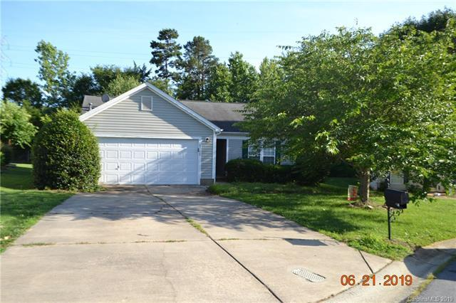 5712 Shining Oak Lane, Charlotte, NC 28269 (#3522392) :: Odell Realty