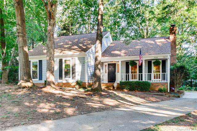 10602 Par Cove Lane, Charlotte, NC 28277 (#3522599) :: Homes Charlotte