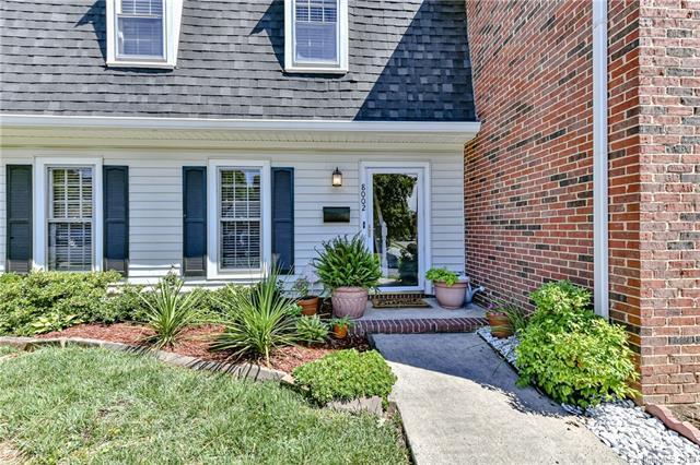 8002 Regent Park Lane, Charlotte, NC 28210 (#3522607) :: MartinGroup Properties