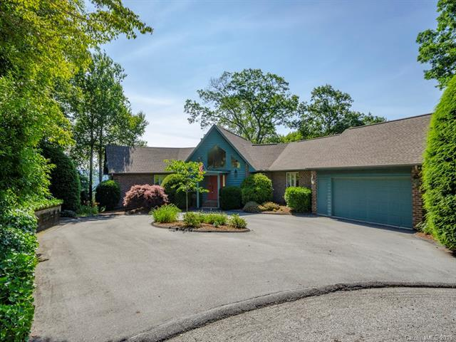 950 Sunlight Ridge Drive, Hendersonville, NC 28792 (#3522692) :: Stephen Cooley Real Estate Group