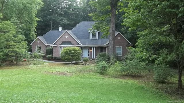 225 Hawthorn Drive, Hendersonville, NC 28791 (#3522839) :: High Performance Real Estate Advisors