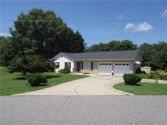 5151 Canterbury Drive, Conover, NC 28613 (#3522867) :: Rinehart Realty