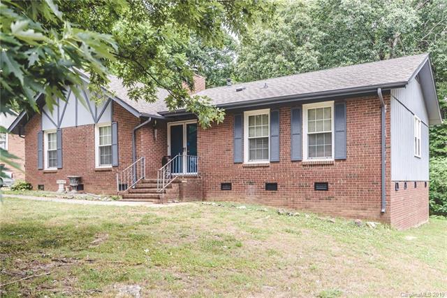 7133 Tall Tree Lane, Charlotte, NC 28214 (#3523068) :: Mossy Oak Properties Land and Luxury