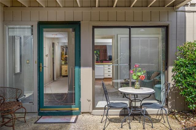 1 Lakemoor Lane, Laurel Park, NC 28739 (#3523086) :: Mossy Oak Properties Land and Luxury