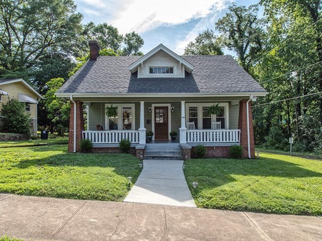 549 5th Street SW, Hickory, NC 28602 (#3523598) :: Mossy Oak Properties Land and Luxury