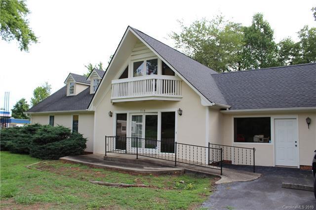 719 S Howard Avenue, Landrum, SC 29356 (#3523790) :: Stephen Cooley Real Estate Group