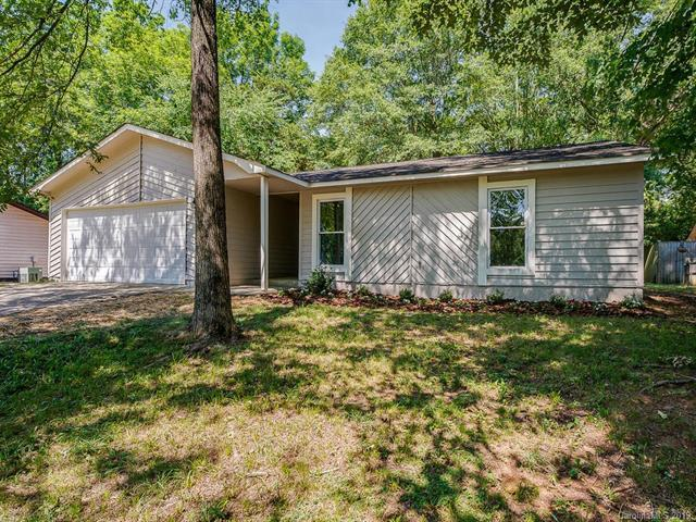 227 Vista Grande Circle, Charlotte, NC 28226 (#3523879) :: High Performance Real Estate Advisors