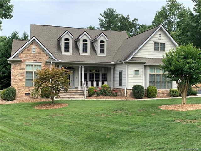 259 Willow Place Circle, Hendersonville, NC 28739 (#3523949) :: Stephen Cooley Real Estate Group