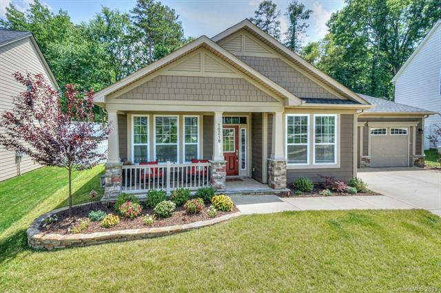 10218 Drake Hill Drive, Huntersville, NC 28078 (#3523957) :: Besecker Homes Team