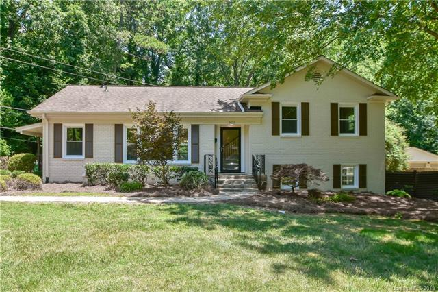 5601 Farmbrook Drive, Charlotte, NC 28210 (#3523984) :: The Andy Bovender Team