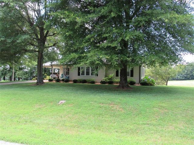 3582 Walker Circle, Lenoir, NC 28645 (#3524282) :: LePage Johnson Realty Group, LLC