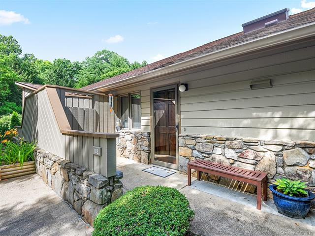 102 Timber Drive, Asheville, NC 28804 (#3524316) :: Homes Charlotte