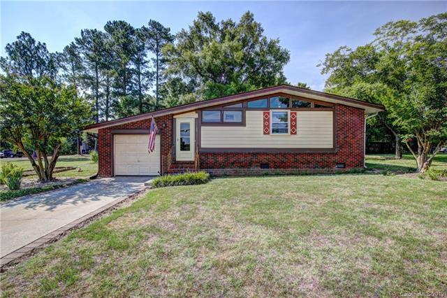 129 Lowry Street, Pineville, NC 28134 (#3524538) :: Francis Real Estate