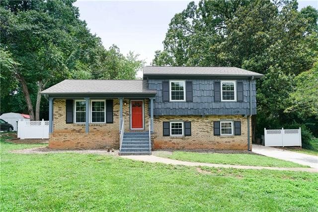 1128 Rocky Ridge Drive, Charlotte, NC 28217 (#3524578) :: The Andy Bovender Team