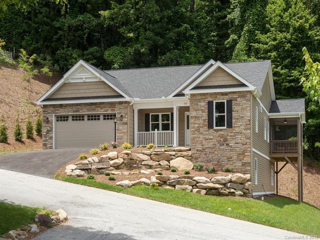 322 Shaws Creek Farm Road, Hendersonville, NC 28739 (#3524944) :: LePage Johnson Realty Group, LLC