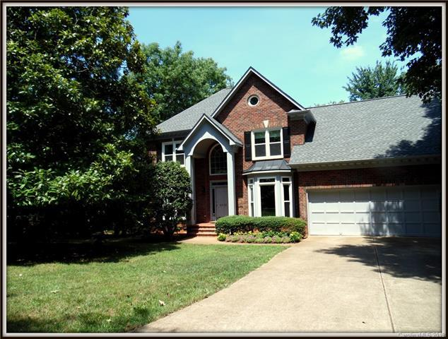 4920 Old Fox Trail, Charlotte, NC 28269 (#3525101) :: High Performance Real Estate Advisors