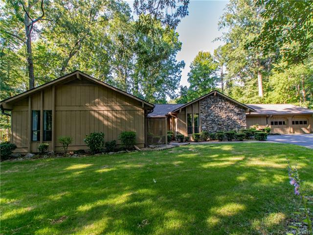 3011 Chestnut Tree Road, Hendersonville, NC 28792 (#3525277) :: LePage Johnson Realty Group, LLC