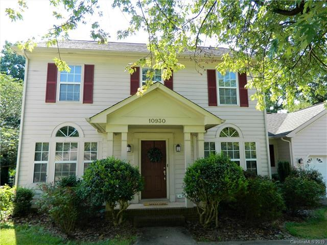 10930 Lassen Court, Charlotte, NC 28214 (#3525302) :: Keller Williams South Park
