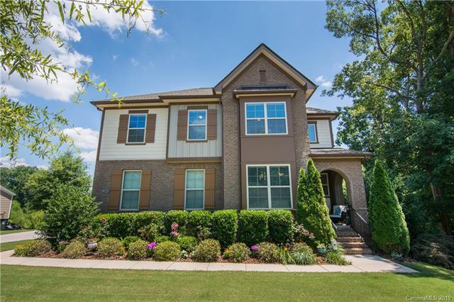 6928 Garden Hill Drive, Huntersville, NC 28078 (#3525634) :: Besecker Homes Team