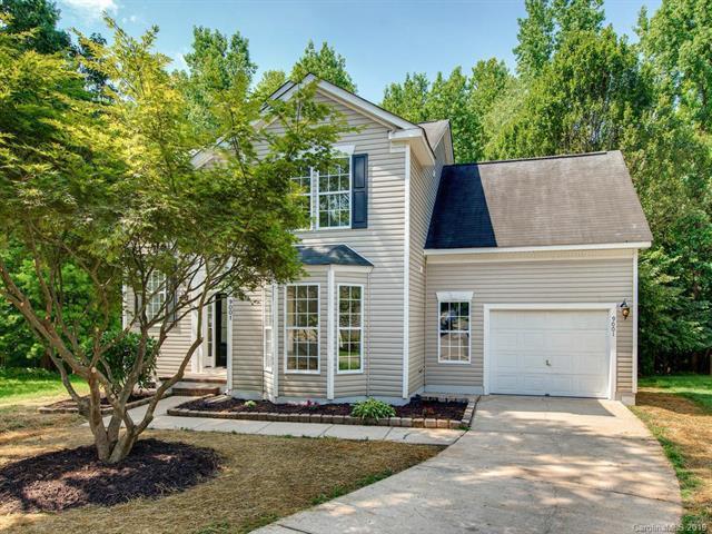 9001 Shenington Place, Charlotte, NC 28216 (#3525679) :: High Performance Real Estate Advisors