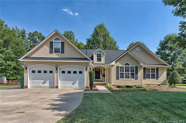 596 Maple Ridge Circle, Salisbury, NC 28147 (#3525684) :: Rowena Patton's All-Star Powerhouse