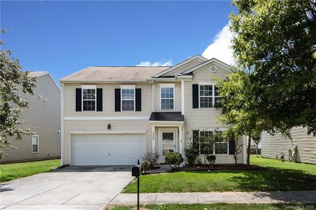 2304 Kirkgate Lane, Charlotte, NC 28215 (#3525814) :: Charlotte Home Experts