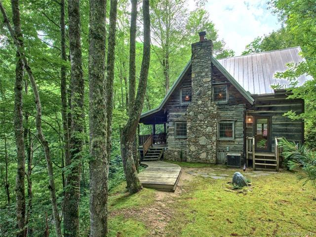 70 Wolf Laurel Drive, Maggie Valley, NC 28751 (#3526214) :: Francis Real Estate