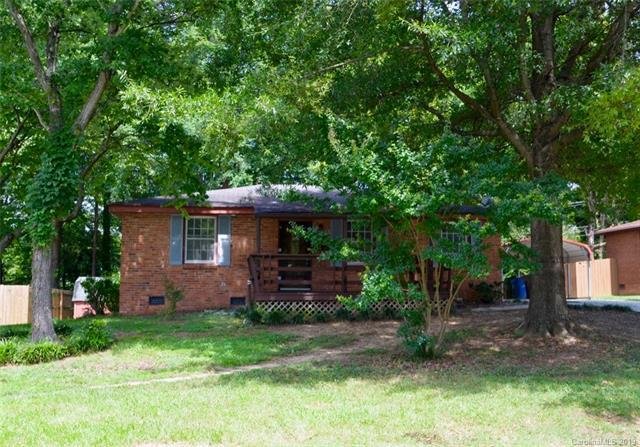 3637 Glenville Avenue, Charlotte, NC 28215 (#3526230) :: Charlotte Home Experts