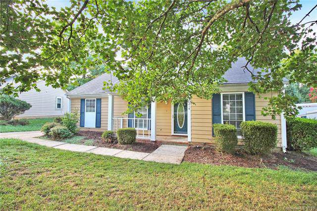 7214 English Ivy Lane, Charlotte, NC 28227 (#3526356) :: Carlyle Properties