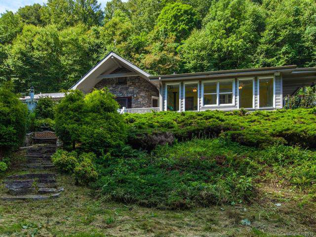 577 Woodmore Drive, Waynesville, NC 28785 (#3526656) :: Scarlett Real Estate