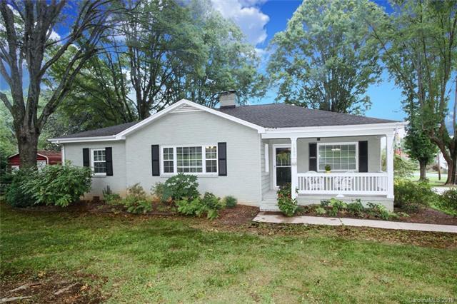 1300 N Sharon Amity Road, Charlotte, NC 28226 (#3526735) :: BluAxis Realty