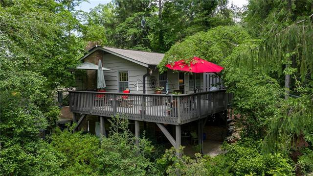 1093 14th Ave Drive NW, Hickory, NC 28601 (#3526849) :: Mossy Oak Properties Land and Luxury